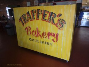 Trappers Bakery entry signe