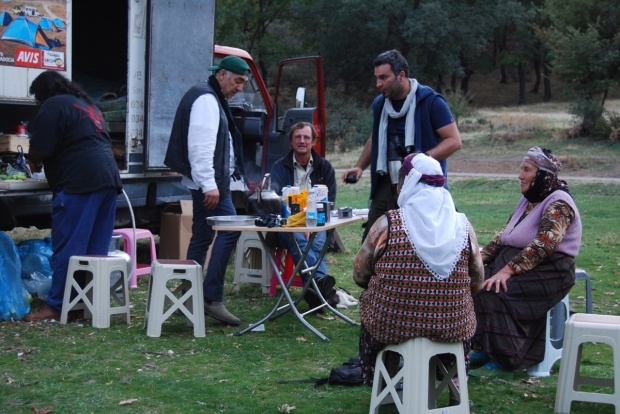 Tea-time: Özcan and Alper assist Metin welcoming our guests, Paçacıoğlu, 2009.
